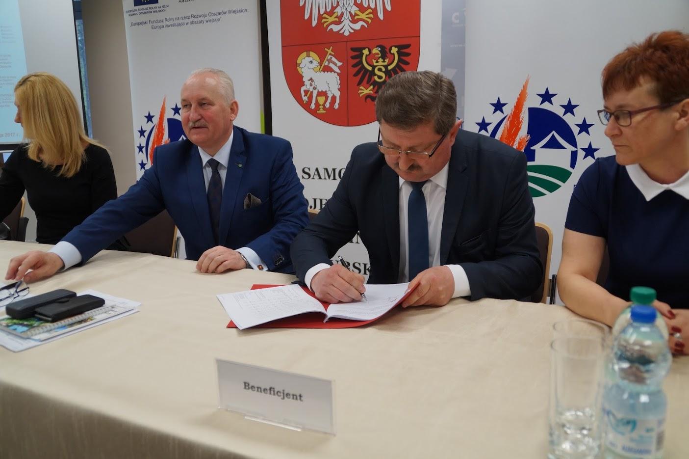 Podpisanie umowy 19.2